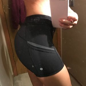 lululemon size 4 spandex training shorts black